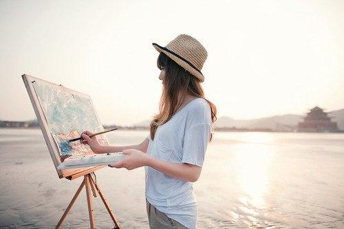 Картинки по запросу художник рисует на мольберте